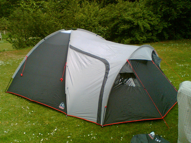 Is it possible to live in a tent in the woods? What about a tarp? & Why Living in a Tent in the Woods Would Suck More Than Being ...